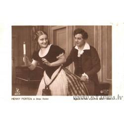 Agnes Arnau und ihren drei Freier